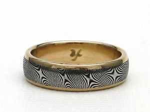 Stainless Damascus Steel Ring With 18K yellow Gold and Rails